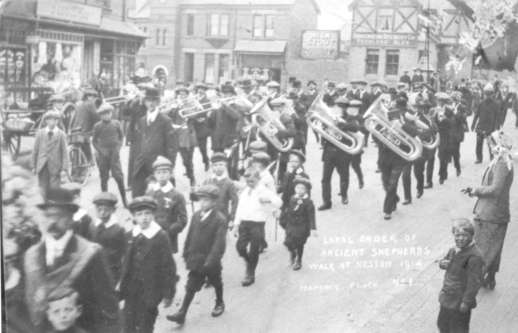 The 1914 Walk, showing the juvenile section.